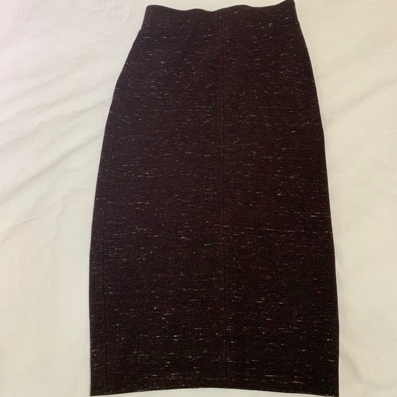 Wilfred Dresses & Skirts - WILFRED Italian made, pencil skirt